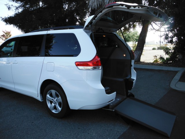 2013 Toyota Sienna BraunAbility Power Rear Entry Wheelchair Van For Sale