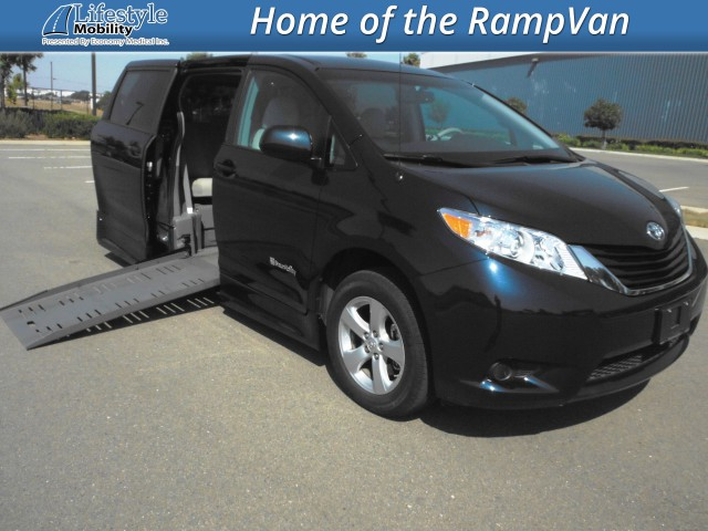 2011 Toyota Sienna BraunAbility® Rampvan XT Wheelchair Van For Sale