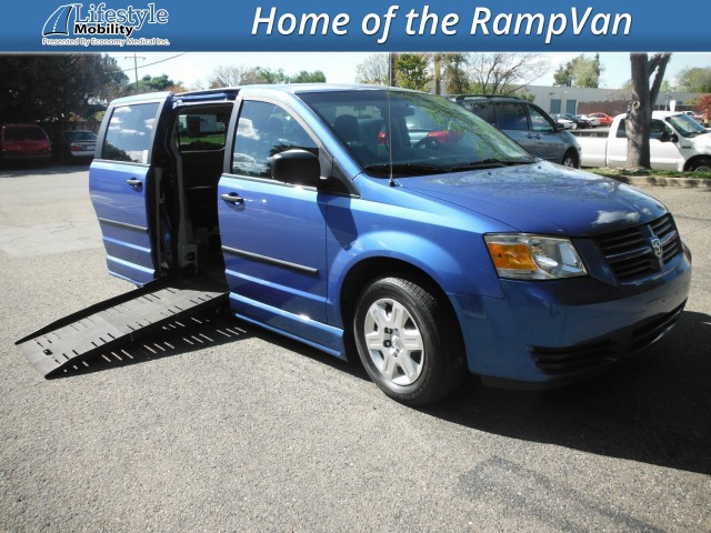 2008 Dodge Grand Caravan BraunAbility® Dodge Entervan II Wheelchair Van For Sale