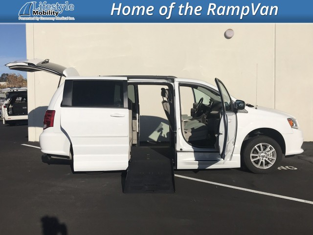 2015 Dodge Grand Caravan BraunAbility Dodge Entervan XT Wheelchair Van For Sale
