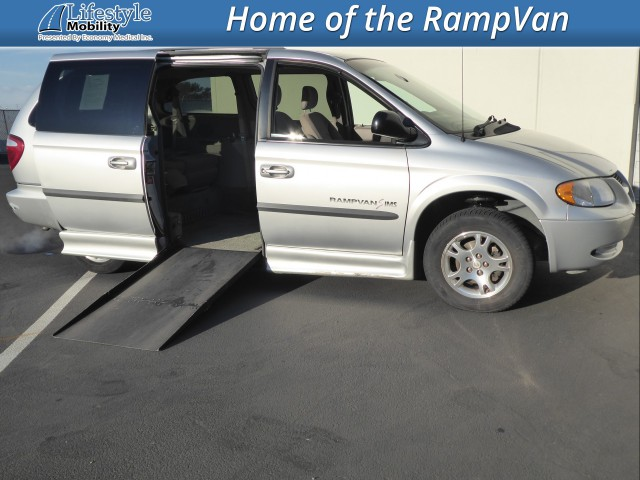 2002 Dodge Grand Caravan IMS Dodge and Chrysler Wheelchair Van For Sale