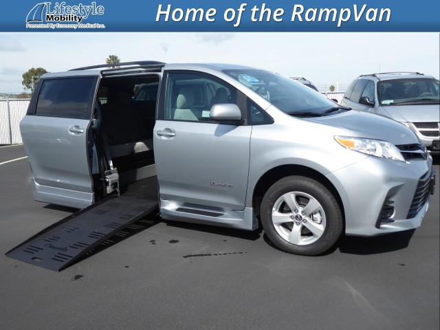 2019 Toyota Sienna BraunAbility Rampvan XT Wheelchair Van For Sale