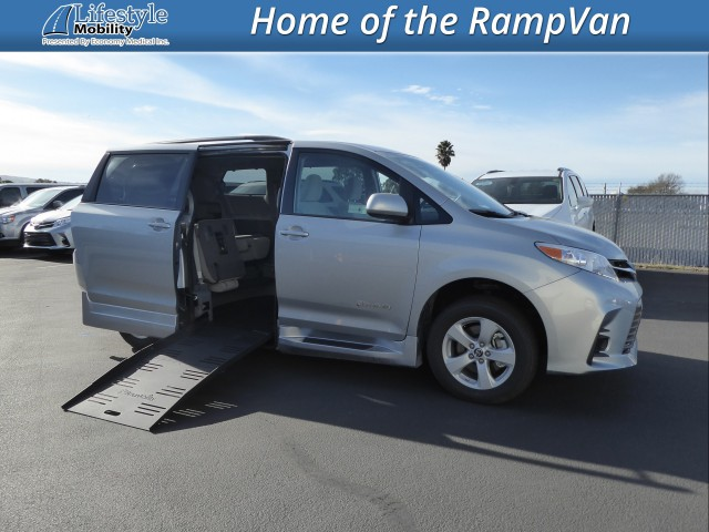 2020 Toyota Sienna BraunAbility Rampvan XL Wheelchair Van For Sale
