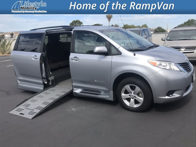 2014 Toyota Sienna BraunAbility Rampvan XT Wheelchair Van For Sale