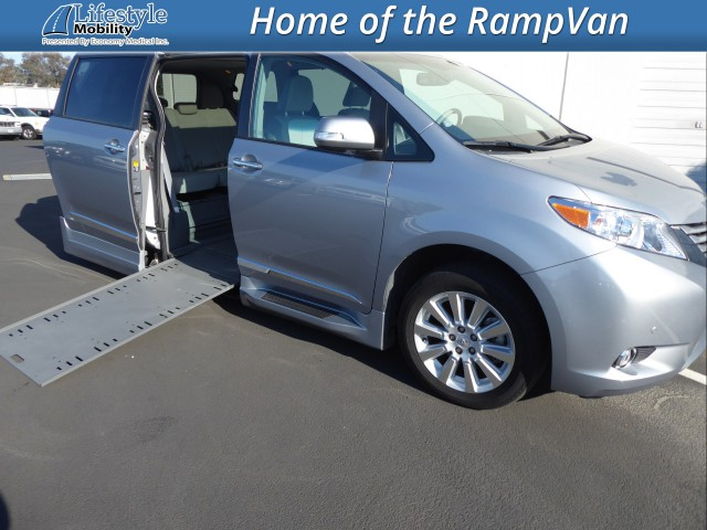 2013 Toyota Sienna BraunAbility Rampvan Xi Wheelchair Van For Sale